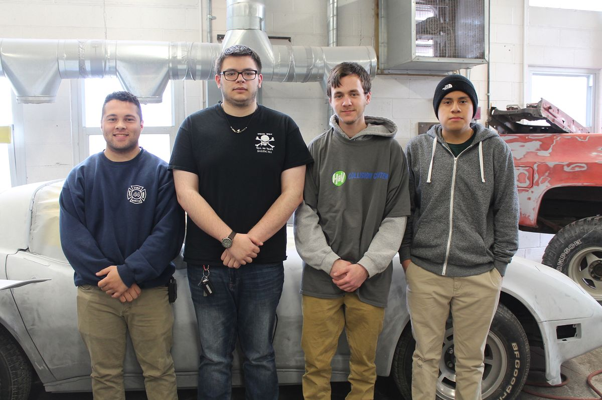 Capstone Program Gives Auto Collision Students Real-World Experience